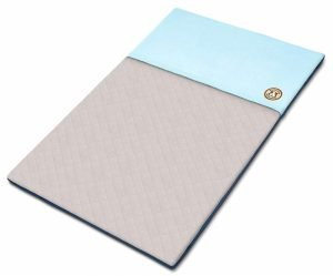 Fleece cage liner with a blue hideout